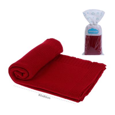 manta-tricot-pimpolho-vermelha